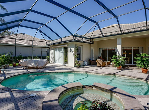 Grandezza pool home Estero Florida